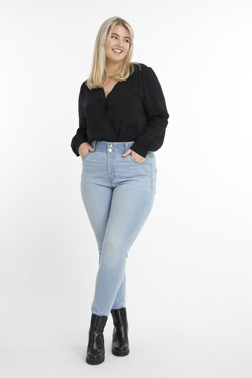 Magic Simplicity Sculpts Shaping Jeans
