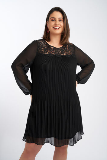Plissé jurk met kant