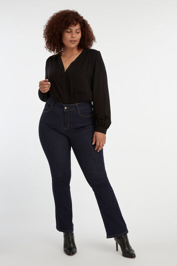 Magic Simplicity flared leg SHAPES jeans