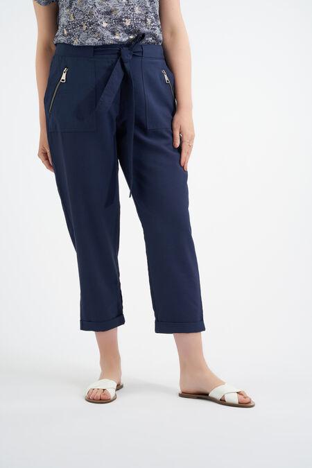 Losvallende 3/4 pantalon met strikceintuur