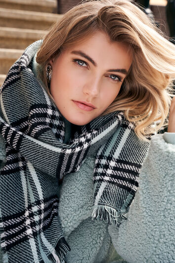 Sjaal met ruitjesprint