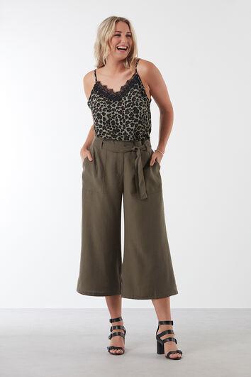 Wijdvallende broek; Culotte