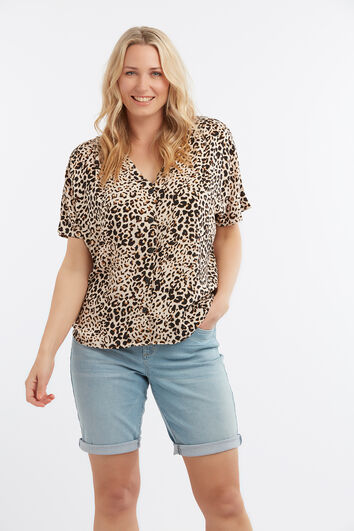 Blouse in boxy model met animalprint