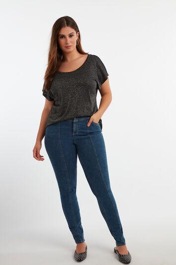 Skinny leg high waist jeans
