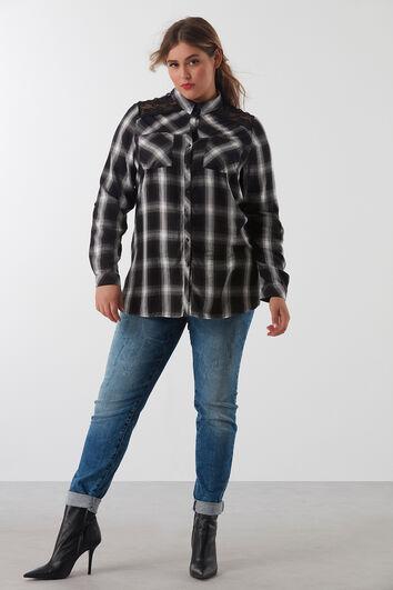 Geruite blouse met kant