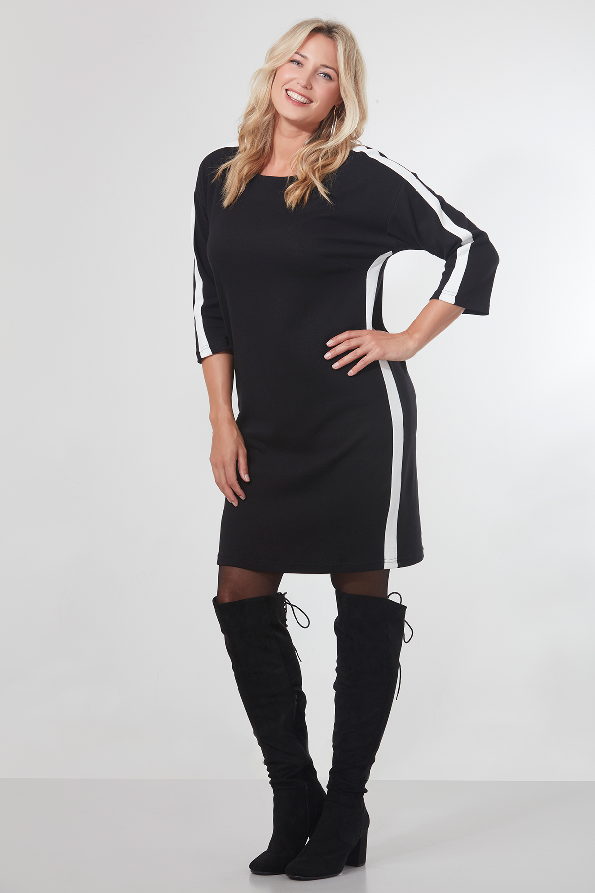 zwarte jurk met witte streep